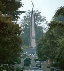 monumen_kujang.jpg